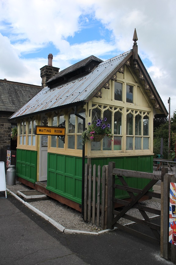 Cabmen's Shelter at Embsay railway station