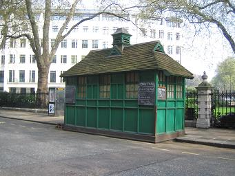 Cab shelter, Grosvenor Gardens - west side of north garden. � Robert Mason